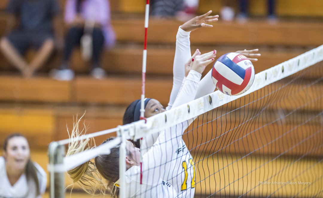 Salem Outlasts Pfeiffer Volleyball in 3-2 Thriller