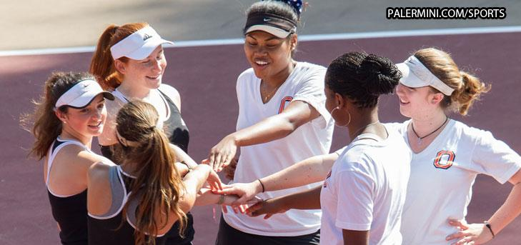 Top-five singles lead Oxy to third consecutive win