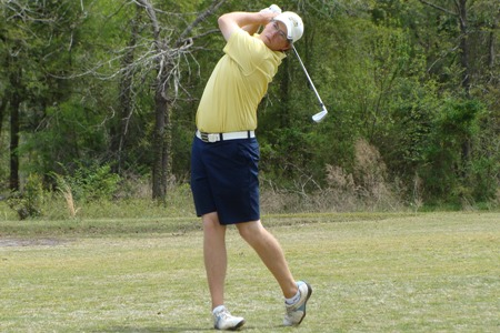 Gibson in the hunt, moving up the leaderboard at regionals