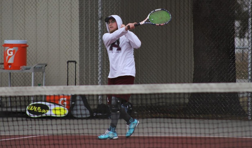 Men's Tennis Gets Third Sweep in a Row