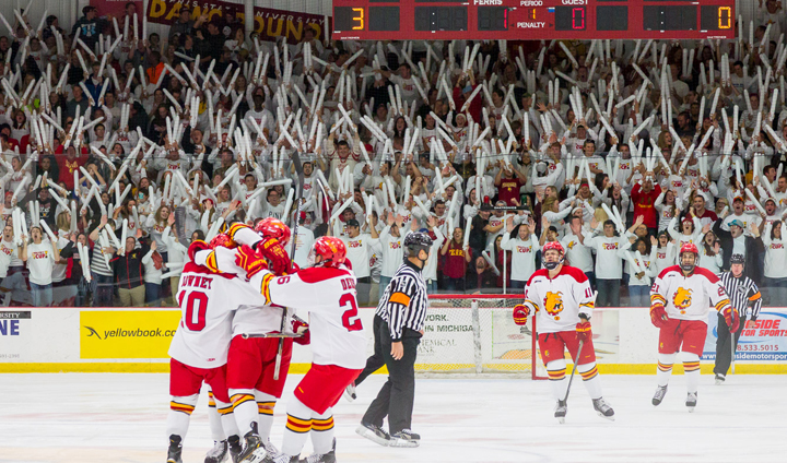 #9 Ferris State Beats #8 Michigan Before Home Hockey Sellout Crowd In Season Opener