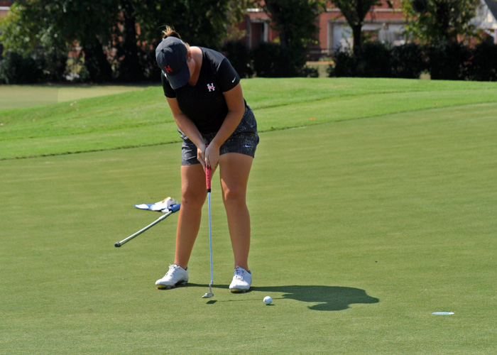 Lady Hawks 10 strokes out of 1st after Rd. 2 of Golfweek D3 Invitational