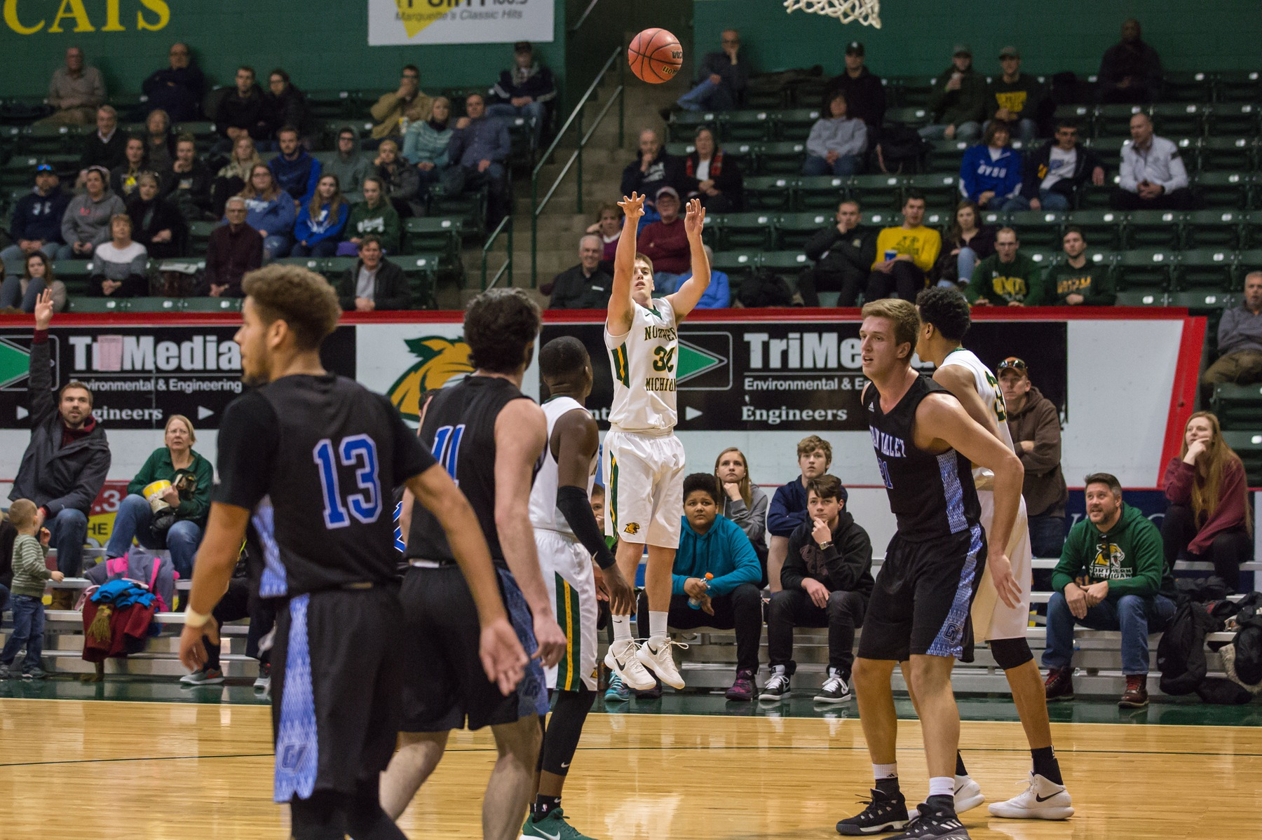 Men's Basketball Hits the Road for Final GLIAC Road Games