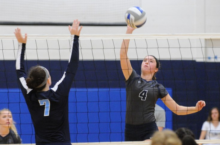Women's Volleyball: Dunster, Raiders take two from Lasell & Rhode Island College