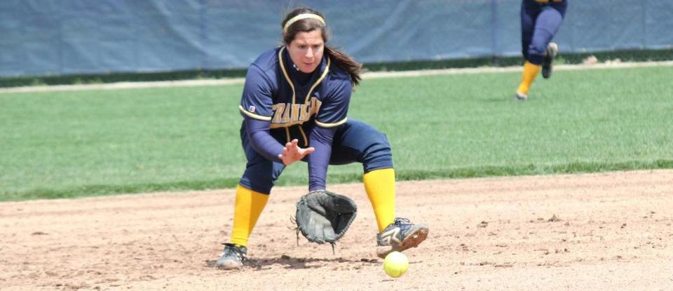 Softball Achieves 10th Season Victory in Win at Oakland City