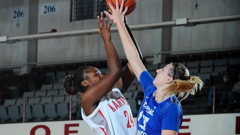 Women's Basketball Drops Hartford, 82-50