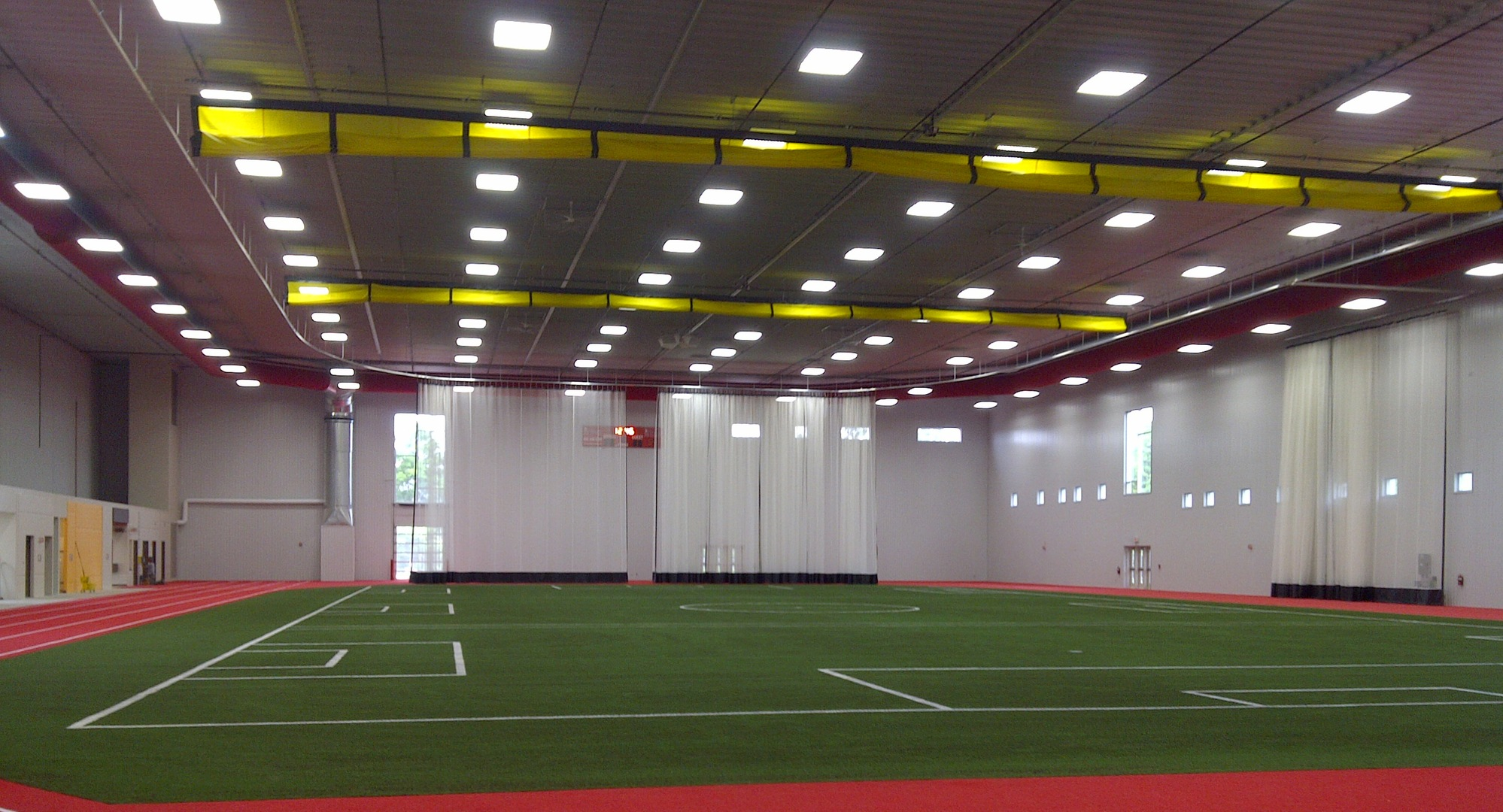 MEN'S INDOOR SOCCER PLAY TUNE-UP TOURNEY AT U OF GUELPH