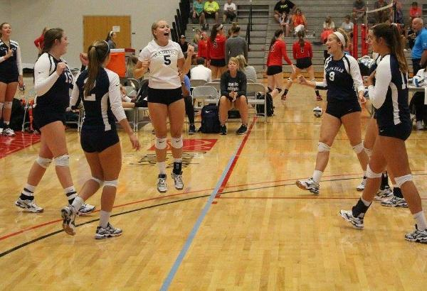 Women's Volleyball Picks Up Second Win of the Weekend