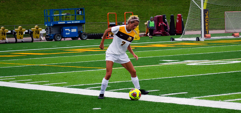Sophomore midfielder Kayla Webb recorded the first multi-goal game of her career in BW's 3-1 win over Oberlin (Photo courtesy of Lori Kumorek)