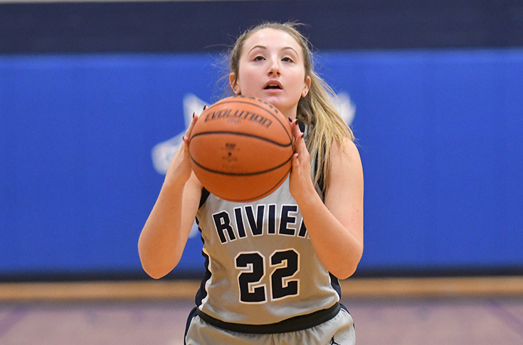 Women's Basketball: Motivala, Raiders fall to Smith College