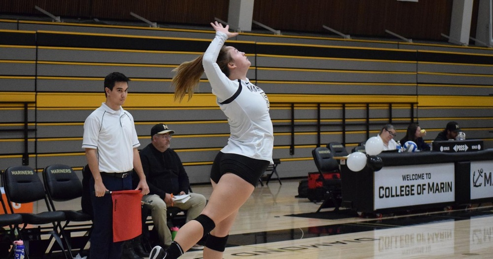 Mariners' Volleyball Outlasts Alameda 3-1 on Sophomore Night