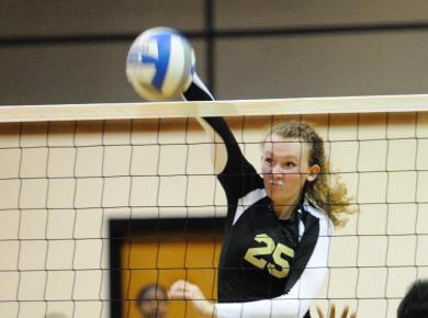 Volleyball Drops Match at Milsaps, 3-1