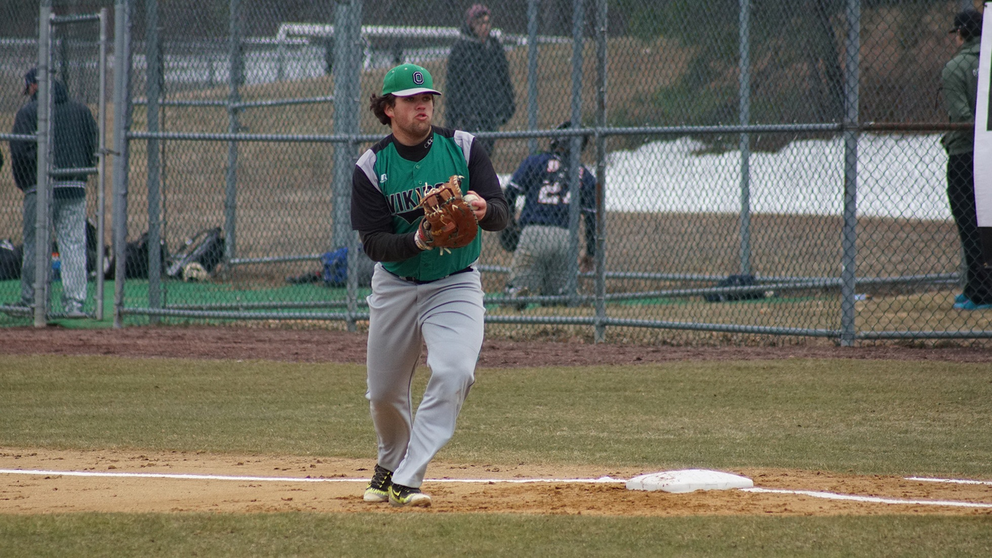 Vikings Baseball Sweeps Middlesex CC in Doubleheader