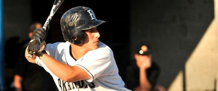 Judges on wrong side of 3-2 pitcher's duel with Augustana (Ill.)
