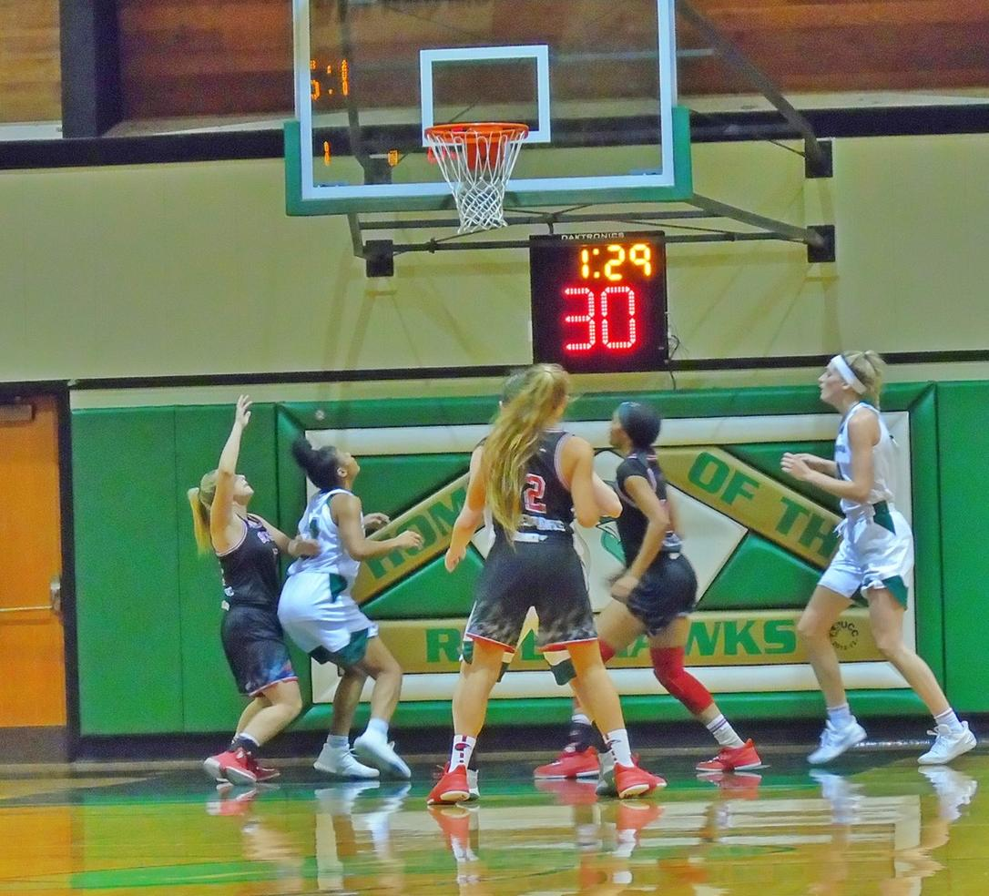 RiverHawk Women's Basketball Sweeps Through Washington