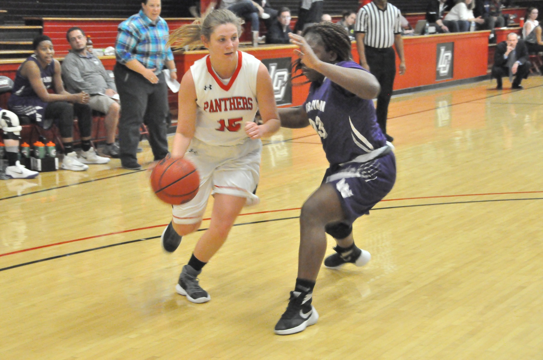 Women's Basketball: Lauren Johnson's career game leads Panthers past Wesleyan