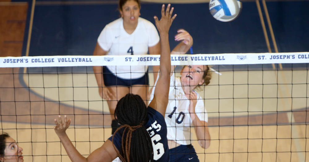 Women's Volleyball Notches First Win at Hill Center With 3-1 Triumph Over King's (N.Y.)
