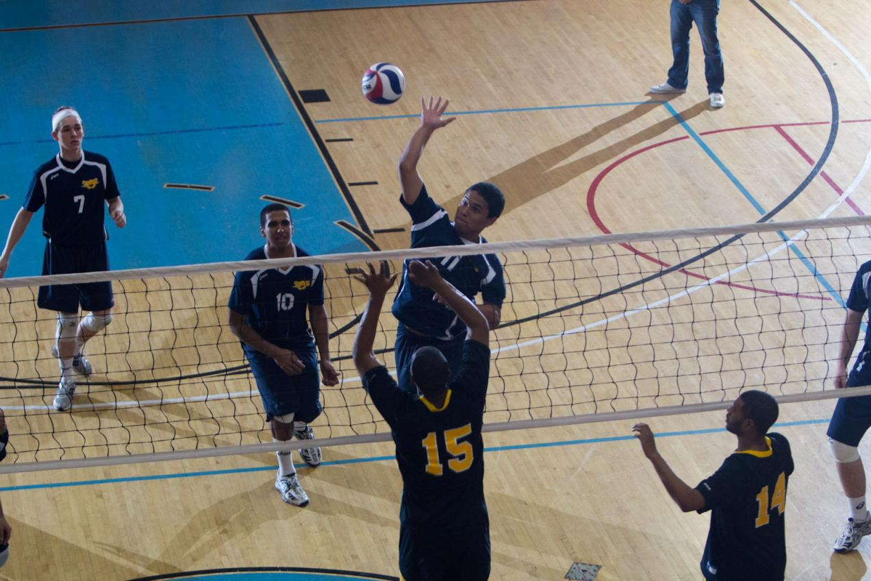 Men's Volleyball Sweeps Sarah Lawrence, Edged by Cooper Union in Home Doubleheader
