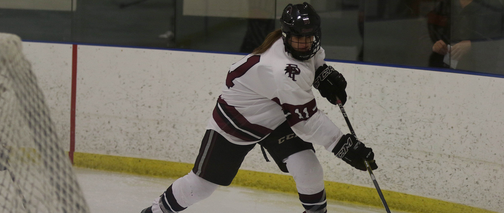Women's Ice Hockey Grinds Out 2-0 Win at Plymouth State
