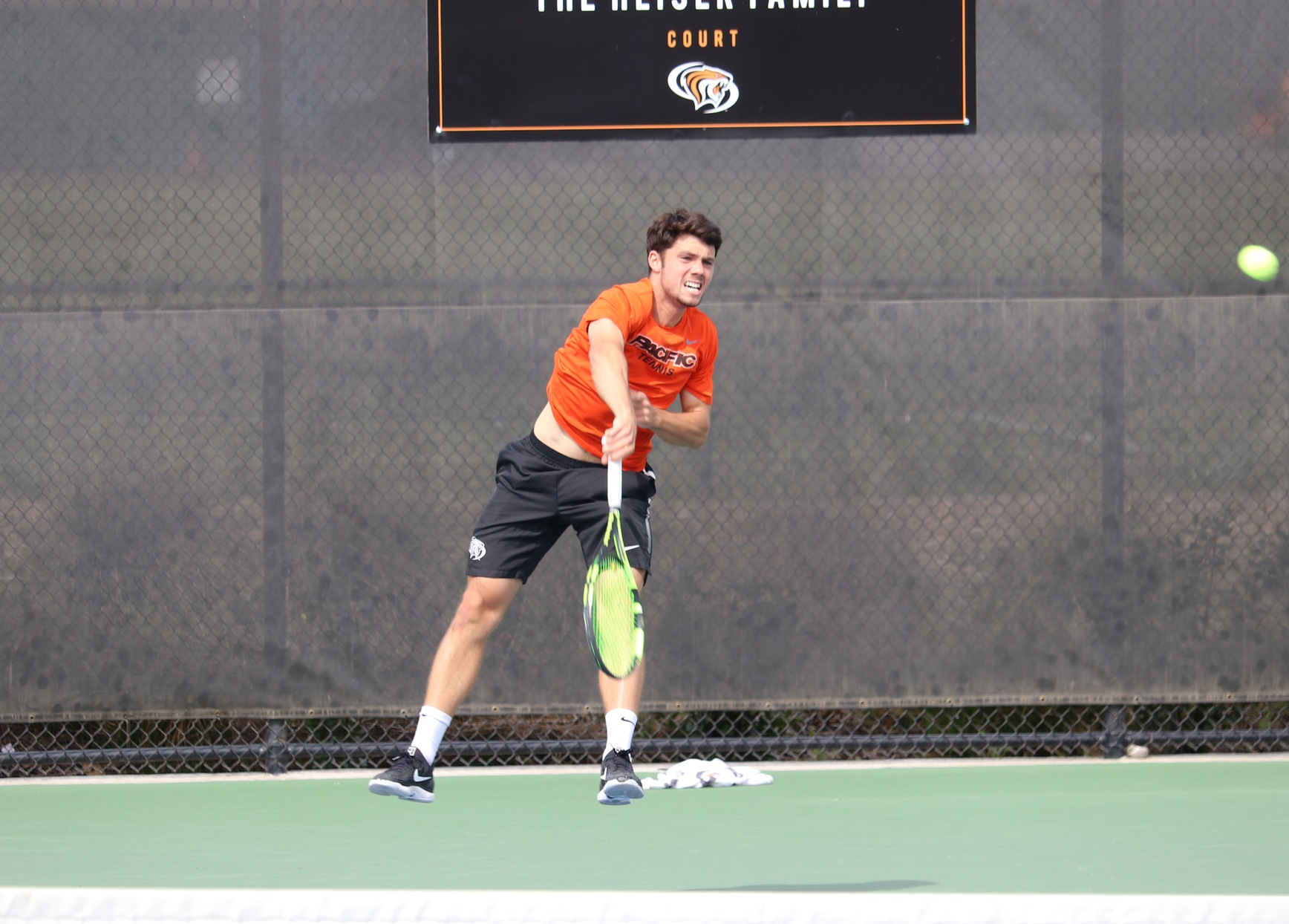 Oliveira Clinches Match Over Gonzaga, 4-3