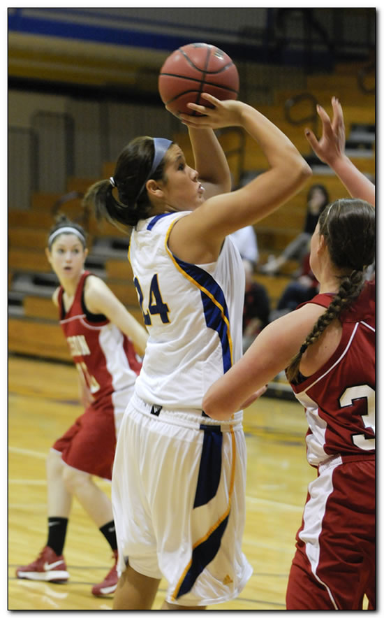 Mount women's basketball team drops hard-fought game at Earlham College, 77-69