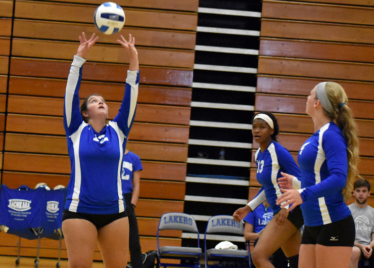 Lakeland loses in five-set thriller at No. 1 Owens, 3-2