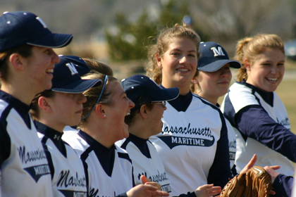 Softball Drops Season Ending Doubleheader