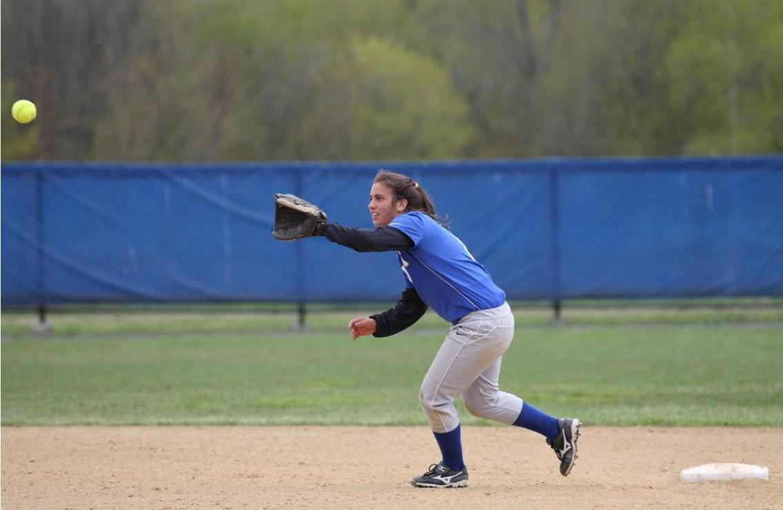 Wildcats Sweep First Conference Doubleheader
