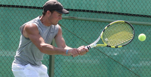 Men's tennis wins second straight; women fall in season opener