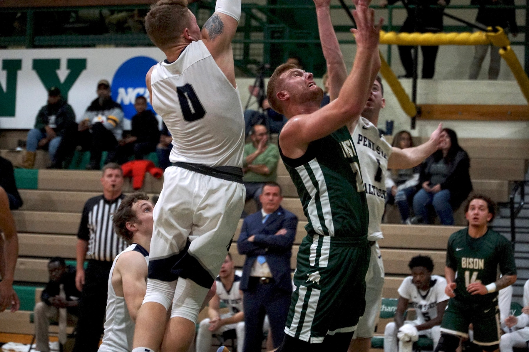 Men's Basketball Overwhelmed by Bobcats