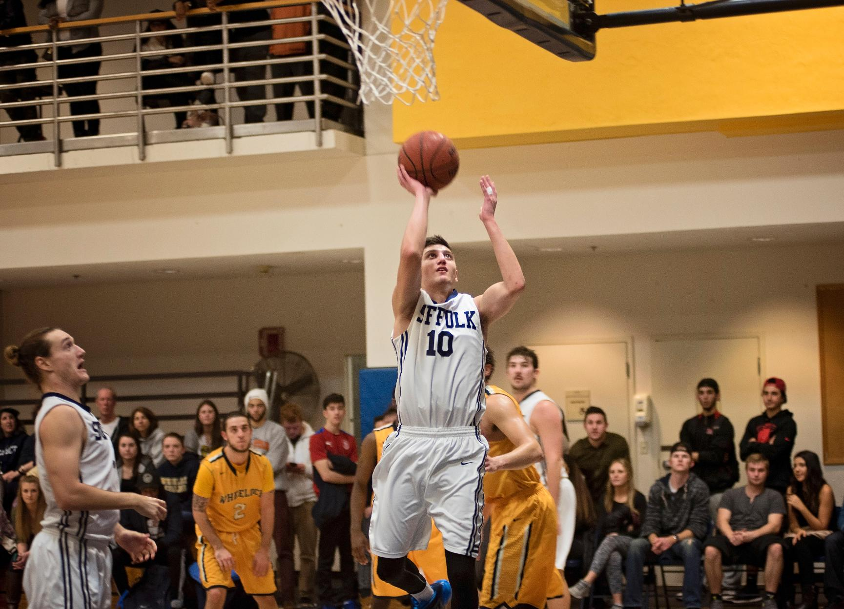Men's Basketball Slips at Brandeis in Season Opener, 87-78
