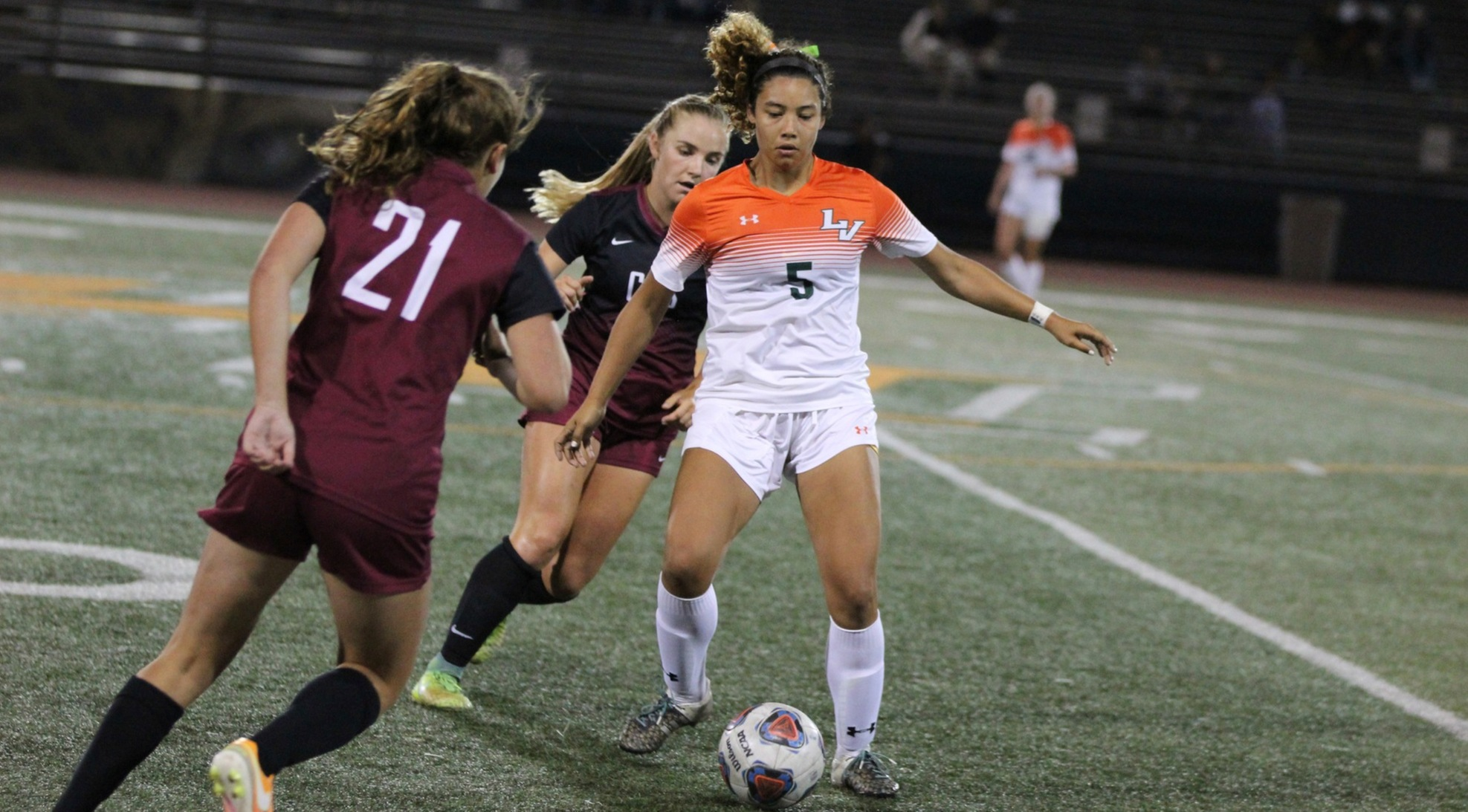 Women's soccer scores huge road win at CMS