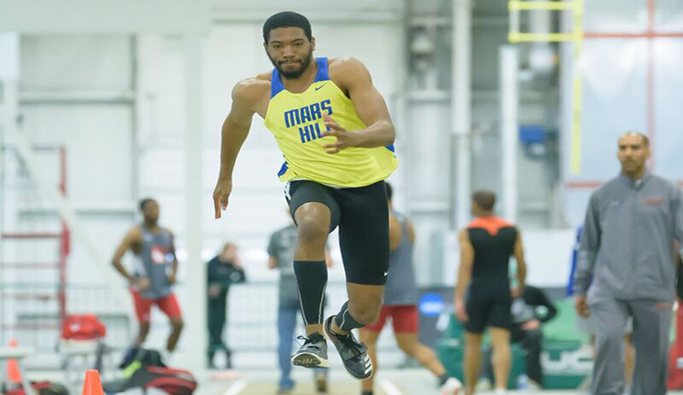 Mars Hill finishes eighth at Appalachian Open Indoor Track Meet
