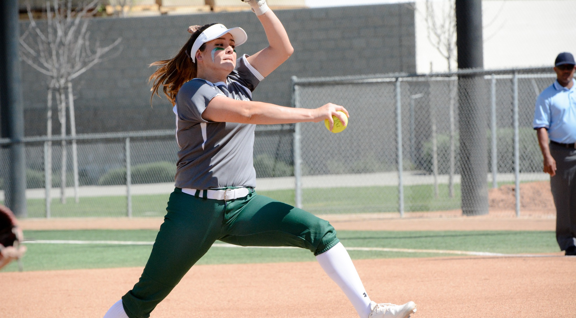 Ponce shuts out No. 25 Ithaca, La Verne earns split