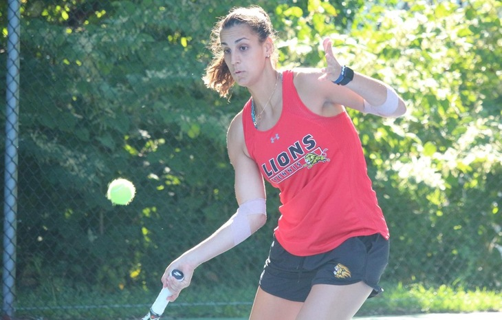 Women's Tennis Edged by Spring Arbor, 4-3