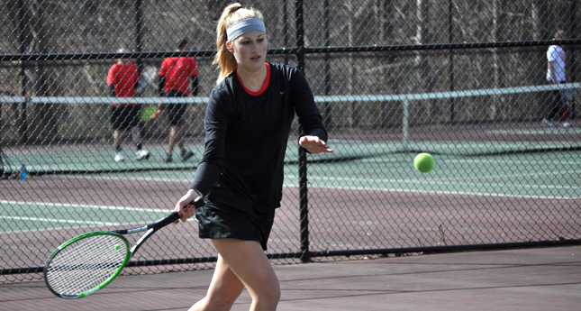LC Tennis Women Falls 8-1 to Roanoke