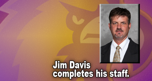 Jim Davis completes coaching staff with addition of Bart Walker