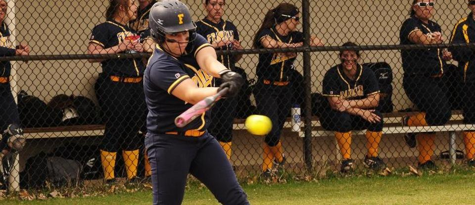 Softball Records 15th Win of Season in Split to Rose-Hulman
