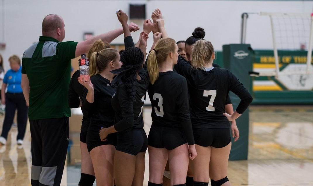 Volleyball Remains Undefeated In Conference Play With 3-0 Sweep Of Raptors