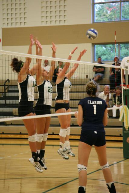 Storm Fall to Ranked Opponent for Second Straight Match at Northern Michigan.