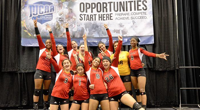 The Eagles pose for a team photo after their final game in the national volleyball tournament. (Photo by Tom Hagerty, Polk State.)