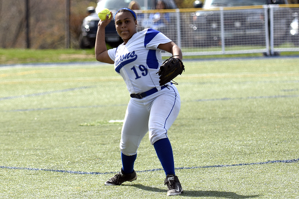 Softball Shuts Down Simmons, 9-0; Faces Top-Seeded Johnson & Wales in GNAC Tournament