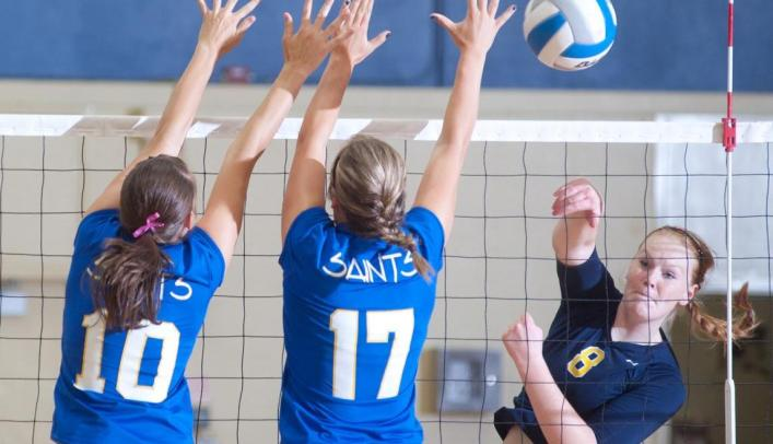 Volleyball Drops WIAC Semifinal Match to Whitewater