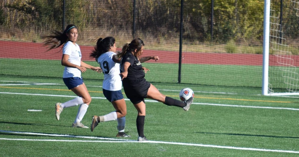 Shorthanded Women's Soccer Drops Thriller To Yuba 3-2