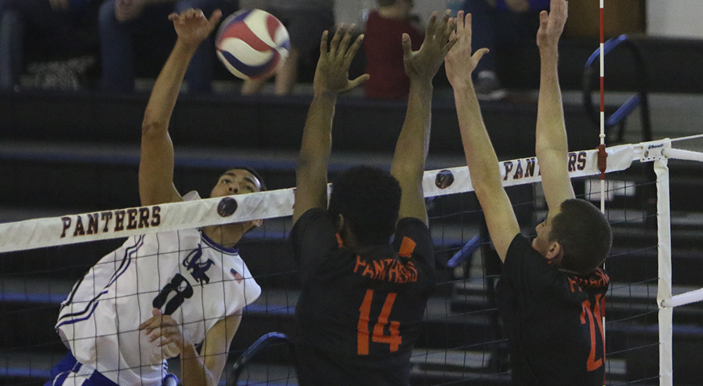 Men's volleyball defeated at Wittenberg