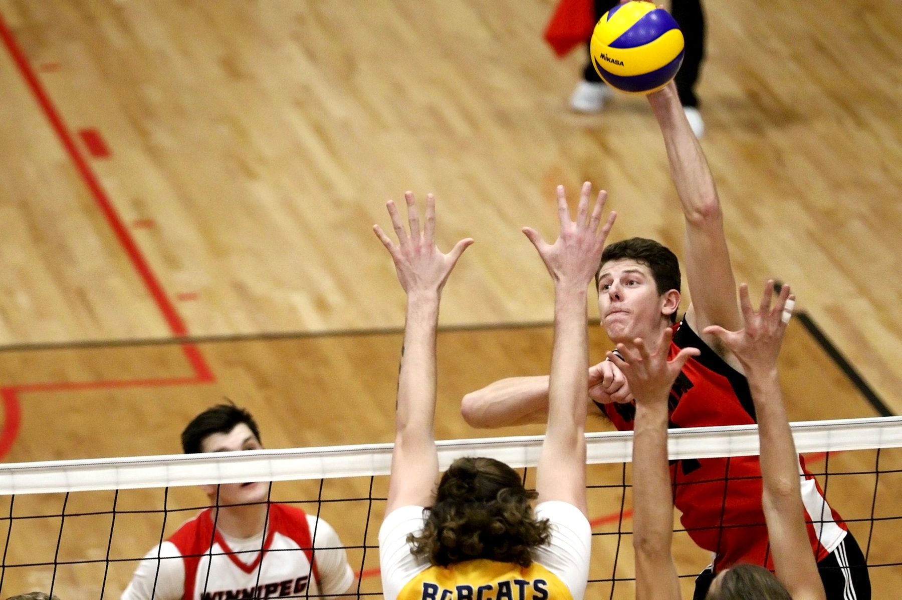 Daniel Thiessen had six kills to lead the Wesmen in a straight-sets loss to the Trinity Western Spartans, Oct. 25, 2019. (David Larkins/Wesmen Athletics file)