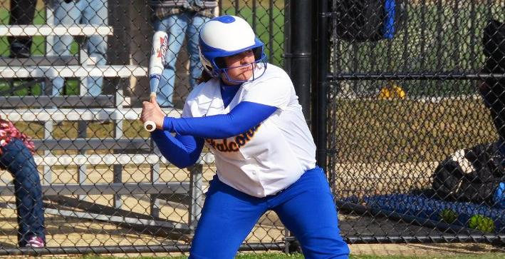 Softball rebounds with two wins at Finlandia Dome Tournament