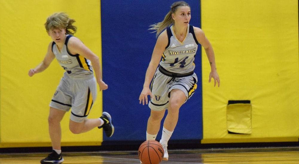 WBB | Third-Ranked Carleton Too Much for Voyageurs