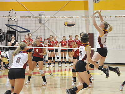 Ferris State Volleyball Blanks Michigan Tech