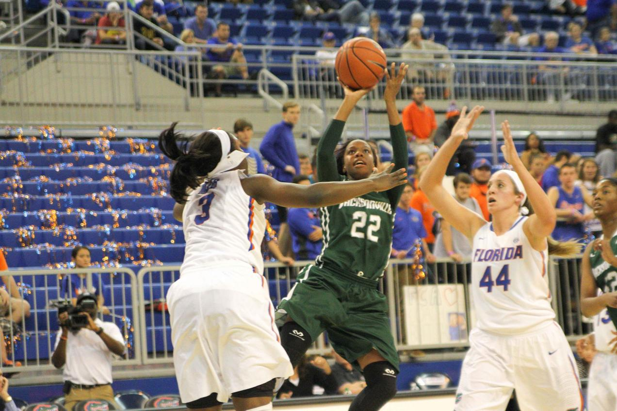 Buzzer beater shocks Dolphins at UTA